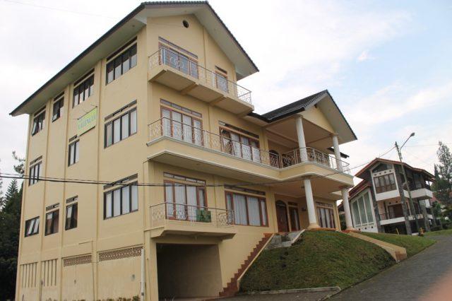 Villa Kolam renang pribadi di Lembang