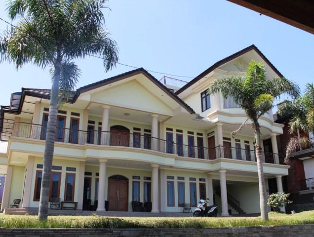 villa di Lembang untuk 40 orang