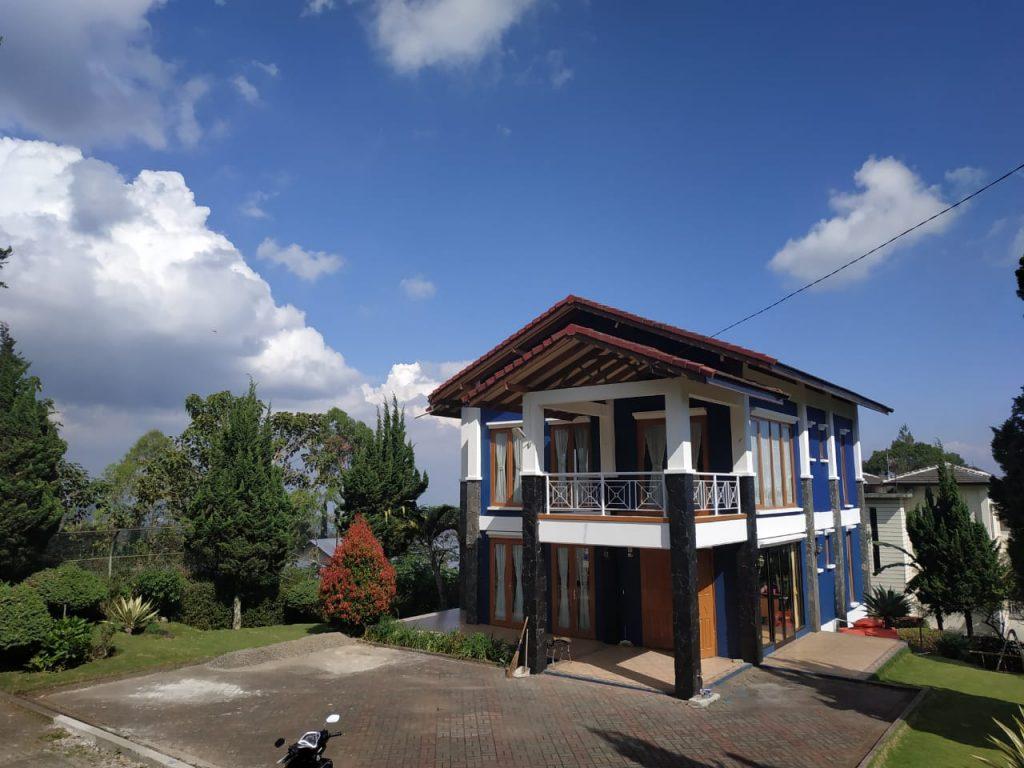 villa di lembang untuk 15 orang